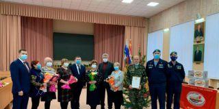 Новогодние поздравления и подарки матерям Каменска-Уральского 2020
