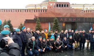 Десантники Каменска-Уральского участвовали в праздничных мероприятиях в Москве
