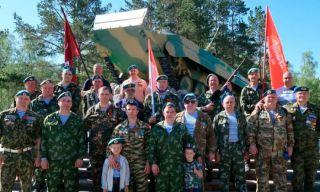Каменские Десантники посетили Мемориалы Воинов в рамках празднования 75-летия Великой Победы (видео)